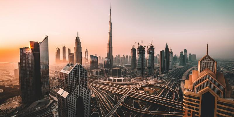 how much it costs to hire a lawyer in dubai